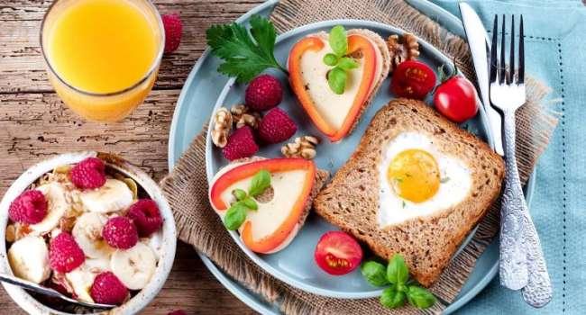 Пять главных секретов: диетологи рассказали об идеальном завтраке
