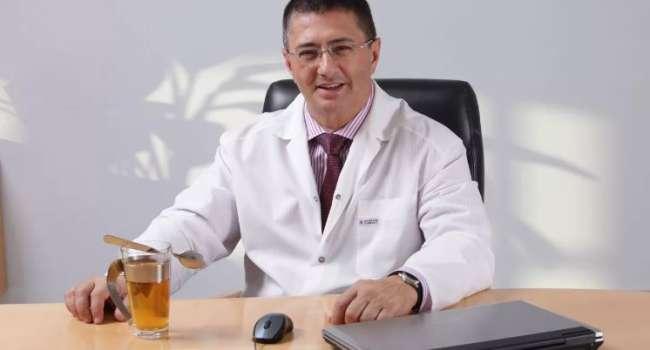 «Игнорируют этот препарат»: Мясников рассказал, как избавиться от головной боли