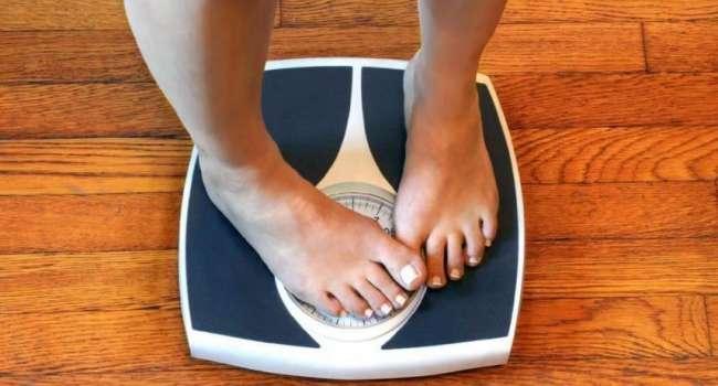 Не малоподвижный образ жизни и не переедание: диетолог перечислила факторы, способствующие набору веса