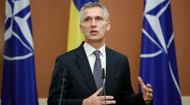 В НАТО выразили поддержку антироссийским санкциям США и обратились к РФ