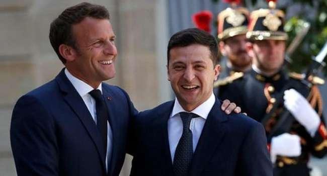 Зеленский начал встречу с Макроном из-за наращивания Россией военных сил на границе с Украиной
