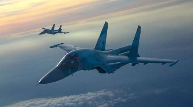 Россия якобы для проведения военных учений перебросила самолеты и корабли в Черное море