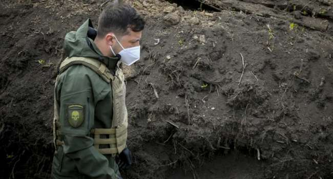 «Уклонист от службы бегает по окопам в бронелифчике»: житель Киева рассказал Зеленскому о последствиях атаки на Донбасс