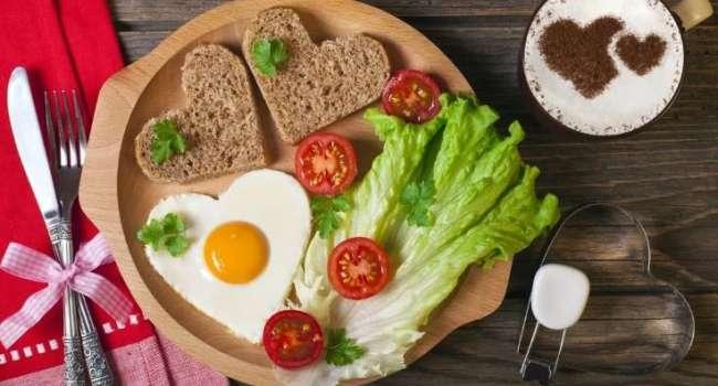Эти рекомендации помогут похудеть: диетолог рассказала о правильном ужине