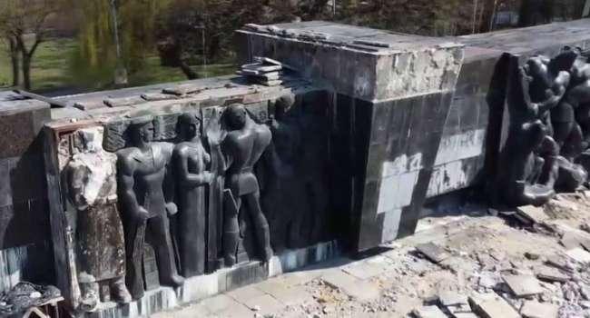 «Они - герои, а вы – ничтожество»: Скубченко резко отреагировал на снос монумента во Львове