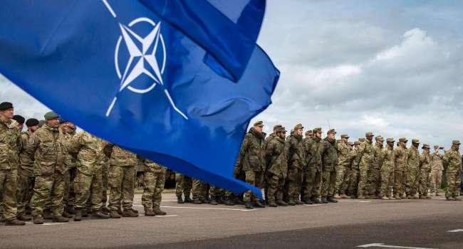В НАТО отреагировали на решение Шойгу по войскам России в Южном и Западном военных округах
