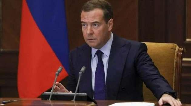 Россия  и США вернулись в эпоху холодной войны, - Медведев