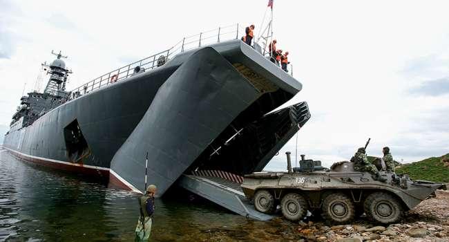 Войска России начали активно покидать территорию Крыма – Минобороны РФ