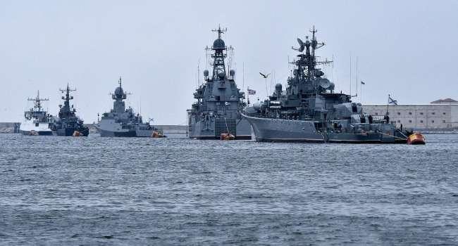 Политолог: Путин отводит войска? А, как насчет того, что, начиная с 24 апреля флот РФ начинает блокировки Керченского пролива и Азовского моря?