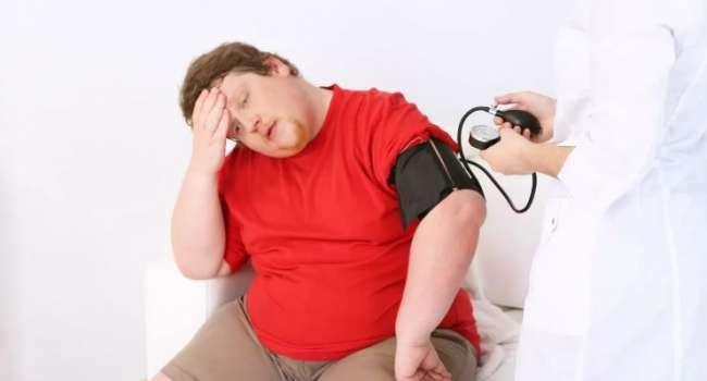 Известный доктор назвал самый опасный жир в теле человека