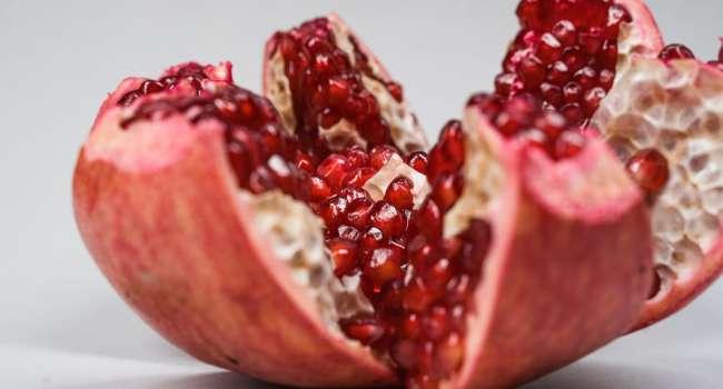 «Гранатовый сок, бобы и тыквенные семечки»: Продукты, которые нужно включать в свой рацион каждый день