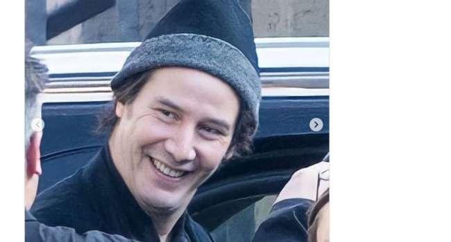 «Боже мой, молодой красавчик»: Киану Ривз без бороды удивил поклонников
