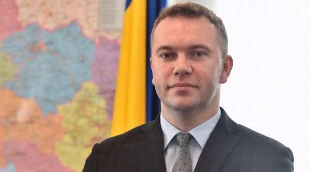 Украина пока не будет эвакуировать своих дипломатов из России, - МИД