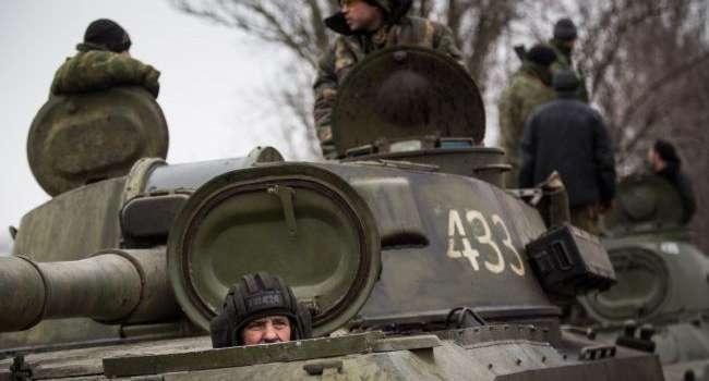 Россия собирается вернуть войска к украинской границе: названы сроки