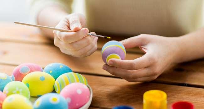 «Использовать по назначению»: диетолог рассказала, как и чем красить яйца на Пасху