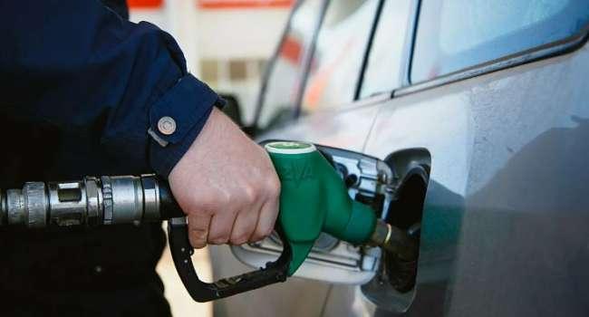 Эксперт: «Цены на бензин растут, за этим последует подорожание стоимости проезда»