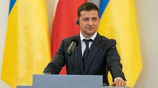 Зеленский в Варшаве заявил, что референдумы в Украине нужно проводить каждый месяц и каждую неделю