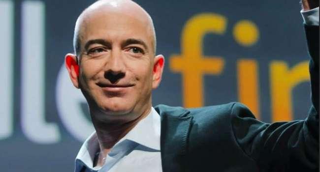 Богатейший человек планеты продал акции на 2 млрд долларов за 2 дня