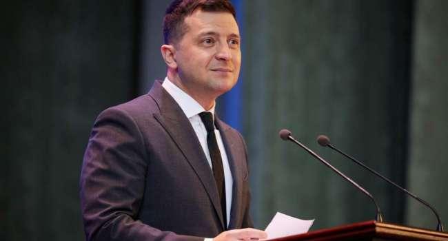 Журналист: рейтинг Зеленского – это благодарность за три закрытые каналы Медведчука, санкции на Оксану Марченко и отобранный трубопровод