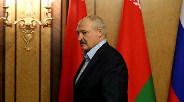 Лукашенко выступил за проведение досрочных выборов в Беларуси вместе с США