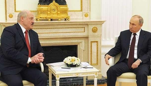 Путин и Лукашенко надумали поздравить украинцев с 9 мая