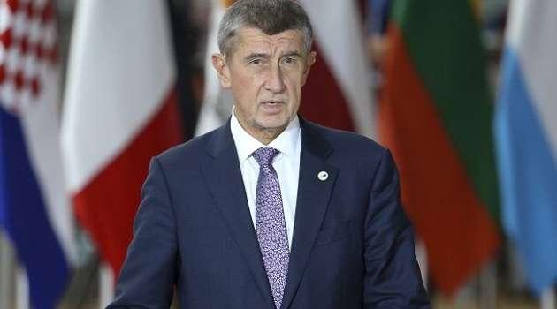 Чешский премьер просит страны ЕС выслать по одному дипломату из РФ