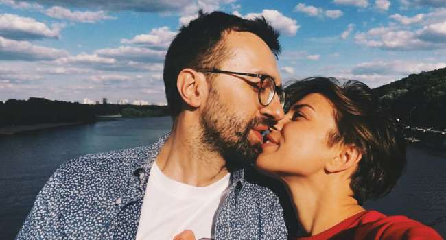 Двойное дно: супруга скандального Лещенко поехала в Москву развлекать оккупантов