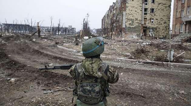 Гармаш: оккупанты на параде в Донецке готовятся запугать новым «оружием»