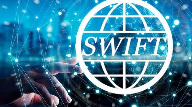 Политолог рассказал о катастрофических последствиях отключения от SWIFT для России
