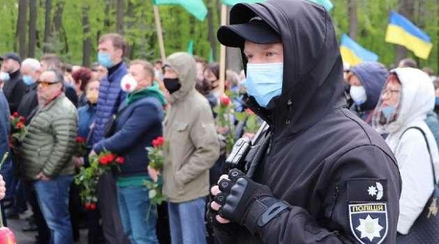 В Украине участниками акций к 9 мая стали 40 тысяч человек