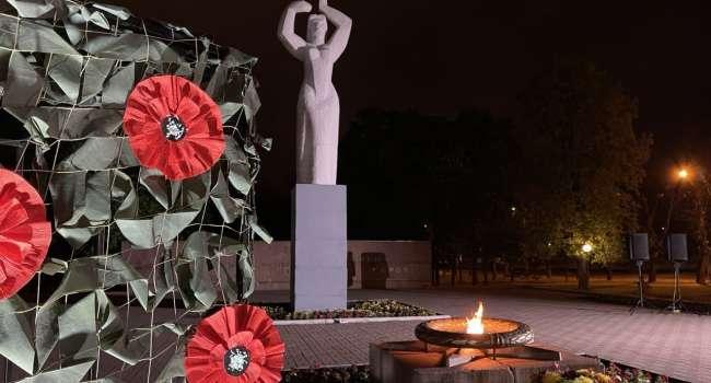Политолог: тем, кто против 8 мая стоит напомнить, что даже во времена СССР чтили память погибших в войне в преддверии Дня Победы