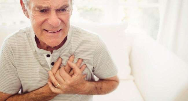 Кардиологи рассказали о симптомах приближающегося инфаркта