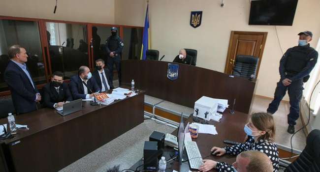 Суд не отпустил Виктора Медведчука под личное поручительство