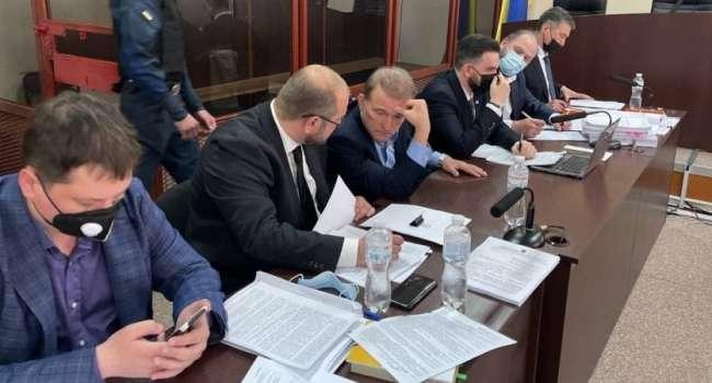 Блогер: Медведчук под домашним арестом не сможет совершать действия, связанные с госизменой. Спасибо Владимиру Александровичу!