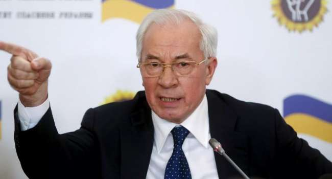 «Хватит уже болтать, работайте»: Азаров прокомментировал договор Молдовы, Грузии и Украины