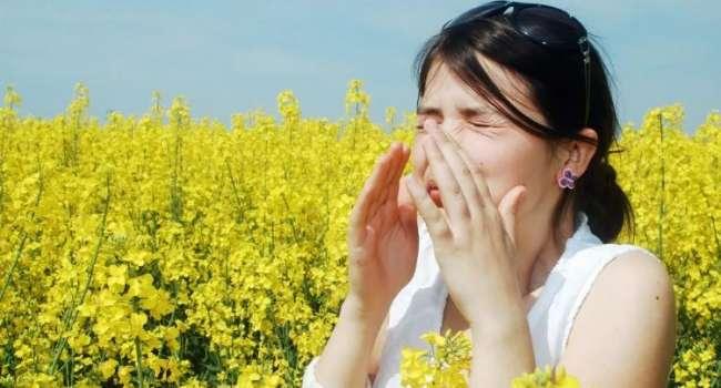 «Можно спутать с ОРВИ»: врач рассказала, как выявить сезонную аллергию