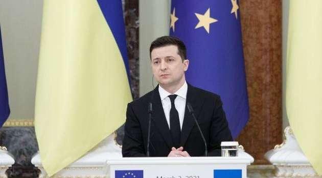 Украина все делает для возвращения Крыма, - Зеленский