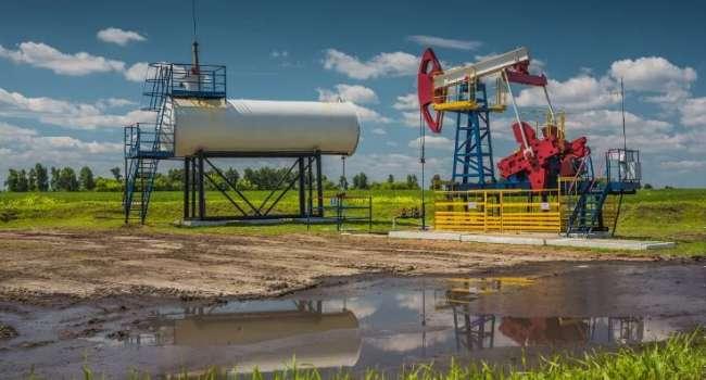 Впервые за два месяца: стоимость нефти превысила психологическую отметку