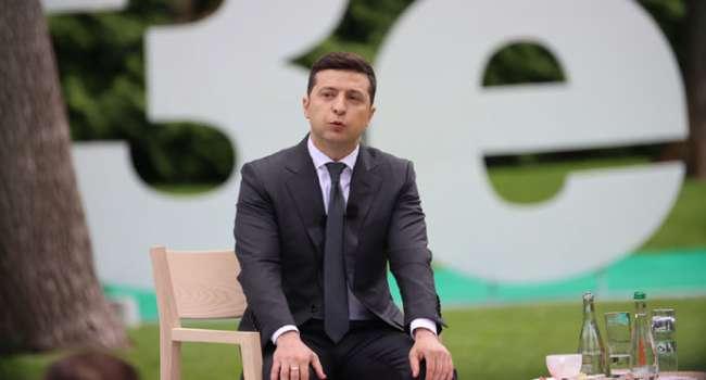 Блогер: у Зеленского не нашлось достижений за 2 года, поэтому он снова решил налить дерьма на Порошенко, у которого разгромно выиграл в 2019-м