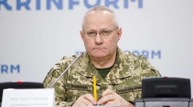 Несмотря на все заявления: Хомчак сообщил, что Россия удерживает на границе с Украиной 80 тыс. военных
