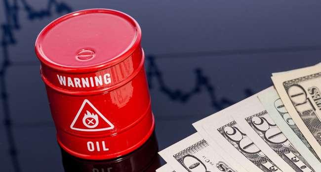 Впервые с апреля нефть упала в цене ниже 65 долларов