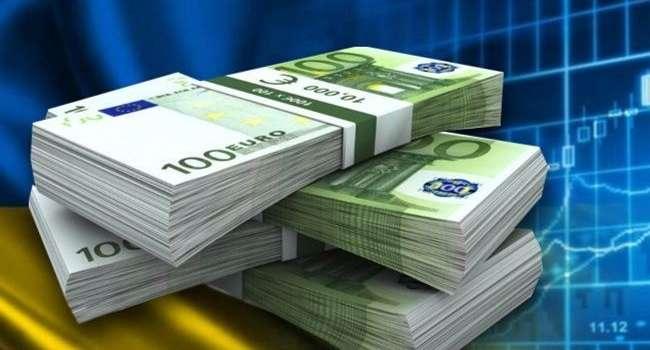 Всего за месяц сумма госдолга Украины выросла на 1 миллиард долларов