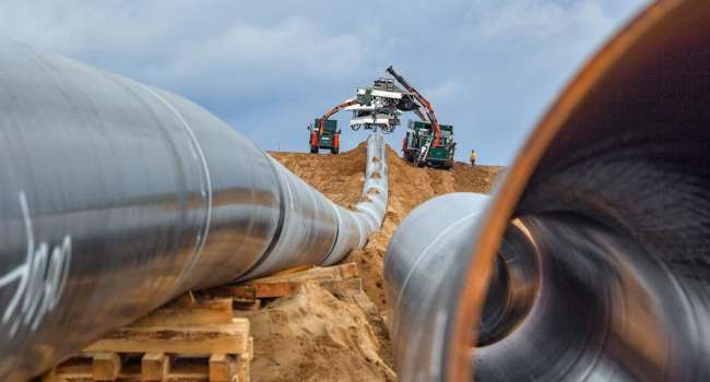 Аналитик: после победы Зеленского возобновились строительство «Северного потока-2», Порошенко, как мог тормозил этот процесс