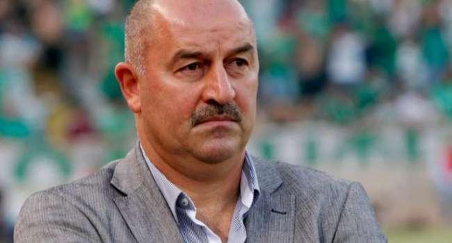 Тренер сборной РФ по футболу отреагировал на позорный вылет российских хоккеистов с Чемпионата мира