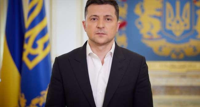 Блогер: Зеленский говорит, что олигархам нельзя владеть депутатами, но у нас олигархи владеют президентами. И это первое несоответствие