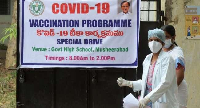 Индийские врачи случайно обнаружили старейшую в мире женщину во время вакцинации