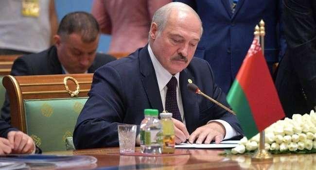 За протесты в Беларуси будут наказывать жестче: Лукашенко подписал закон