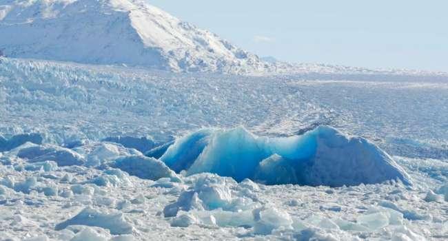Учёные зафиксировали в Арктике стремительное таяние глыбы льда рекордных размеров