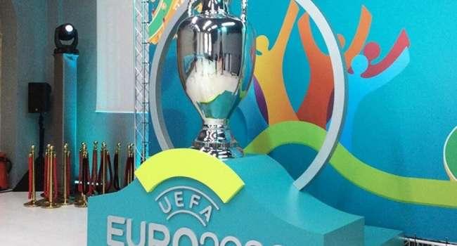 В России всерьез задумались об отказе участия в Евро-2020 из-за формы сборной Украины