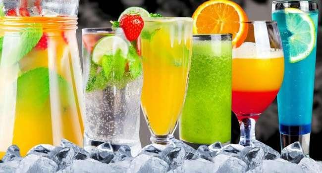 «Обязательно исключить пакетированные соки и газировку»: специалист назвала идеальный напиток для диеты